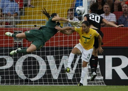 USA defeats Brazil on penalty kicks, 5-3