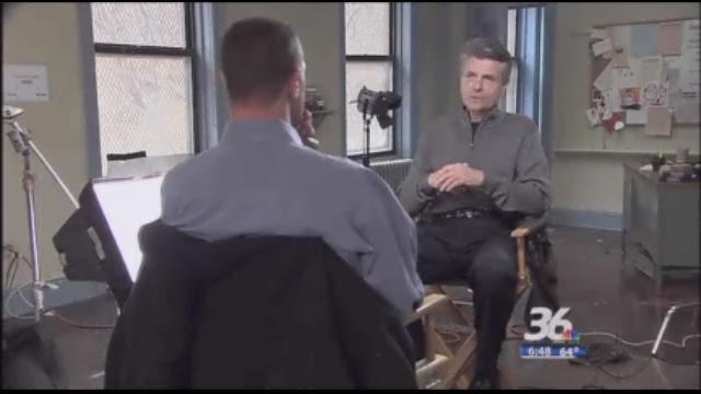 Larry visits the set of 'Law & Order: SVU'