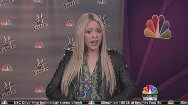 Larry's Look | Pop singer Shakira