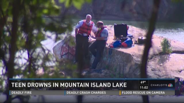 Teen drowns at Mountain Island Lake